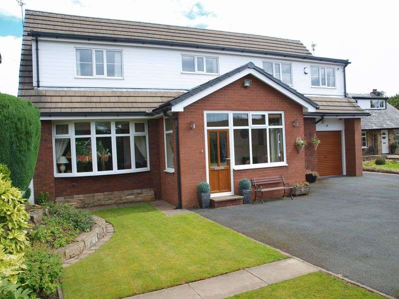 5 Bedrooms Detached House for sale in Alexander Drive, Milnrow, OL16 3LY