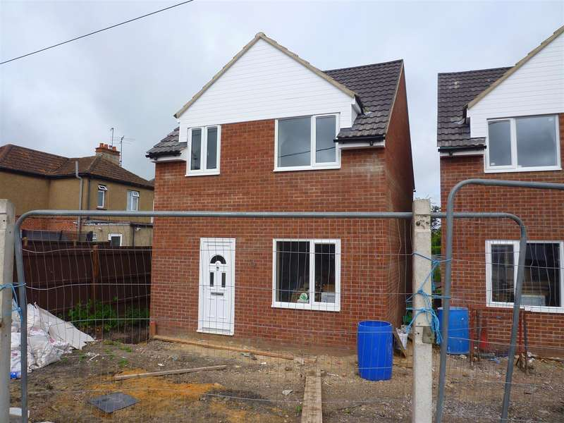 3 Bedrooms Property for sale in Westbury
