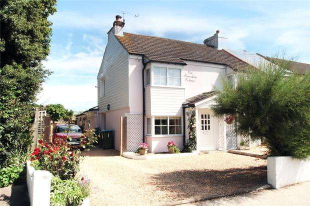 2 Bedrooms End Of Terrace House for sale in Boundary Cottages, Worthing Road, Rustington, West Sussex, BN16