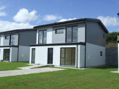 4 Bedrooms Detached House for sale in Upper Polmear Parc, Par