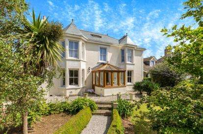 4 Bedrooms Detached House for sale in Hayle, Cornwall