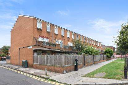 3 Bedrooms Maisonette Flat for sale in Templeton Close, London