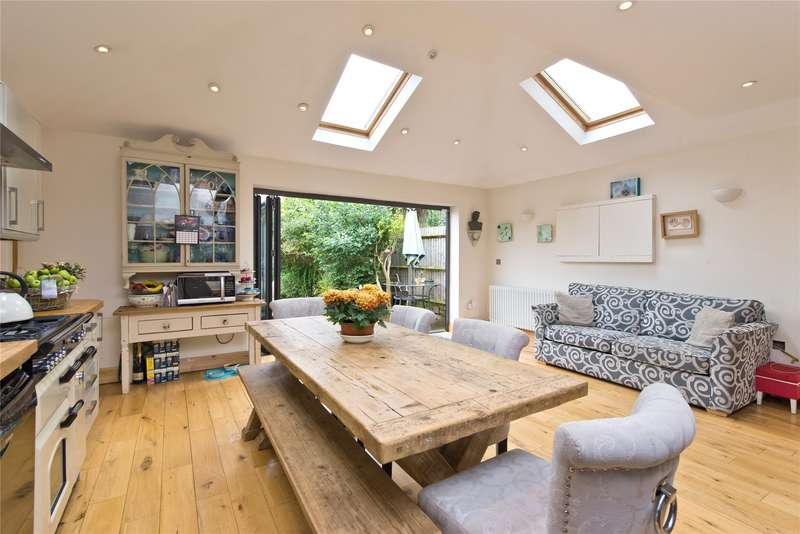 5 Bedrooms Semi Detached House for sale in Sutherland Grove, London, SW18