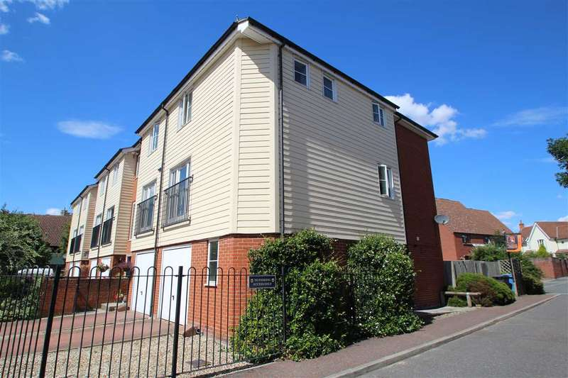 4 Bedrooms End Of Terrace House for sale in Priory Gardens, Sudbury