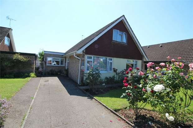 4 Bedrooms Detached Bungalow for sale in Fayre Oaks, Raglan, USK, Monmouthshire
