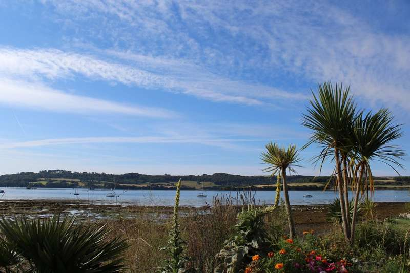 3 Bedrooms Ground Maisonette Flat for sale in Marine Drive, Torpoint