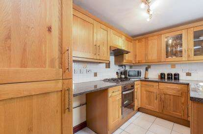 2 Bedrooms Terraced House for sale in Gannow Lane, Burnley, Lancashire