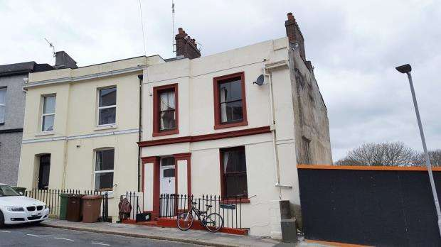 4 Bedrooms Maisonette Flat for sale in Arundel Crescent, Plymouth, Devon
