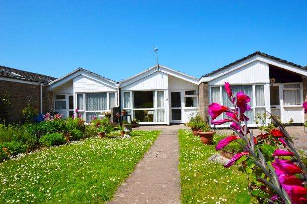 1 Bedroom Terraced Bungalow for sale in Cumber Close, Brixham, Devon