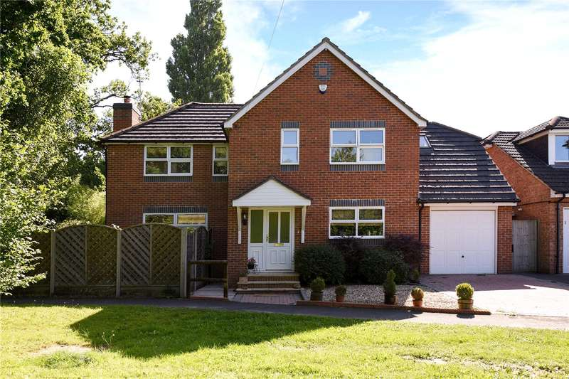 4 Bedrooms Detached House for sale in East Green, Blackwater, Hampshire, GU17