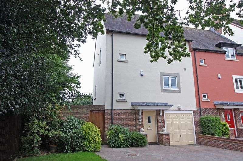 3 Bedrooms Terraced House for sale in Badger Sett, Blandford St. Mary