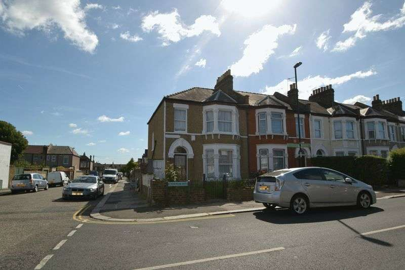 3 Bedrooms House for sale in Birkhall Road, London