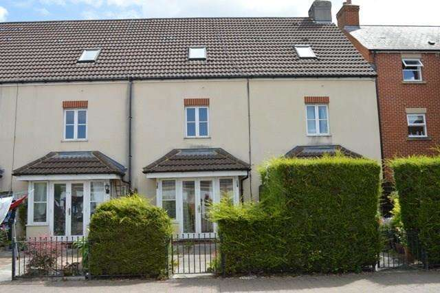 3 Bedrooms Terraced House for sale in Rowan Place, Locking Castle, WESTON SUPER MARE