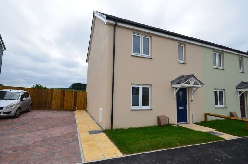 3 Bedrooms Semi Detached House for sale in Feock Road, Playing Place