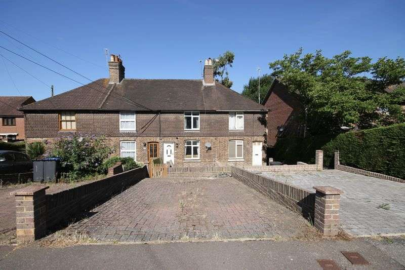 2 Bedrooms Terraced House for sale in Mill Road, Burgess Hill, West Sussex