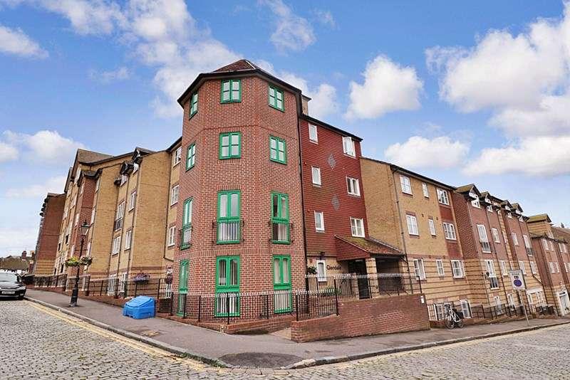 1 Bedroom Retirement Property for sale in Glendale, Folkestone, CT20 1SH