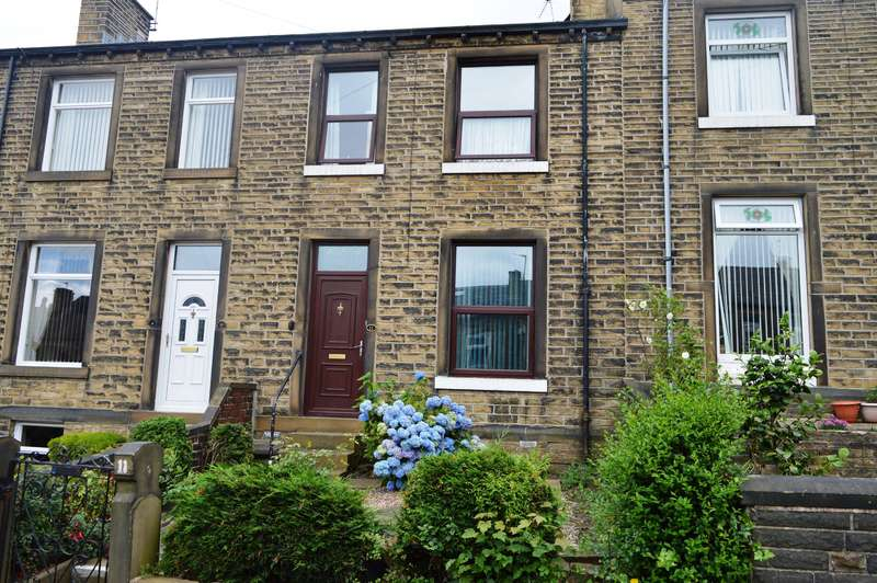 3 Bedrooms Terraced House for sale in Osborne Road, Birkby, Huddersfield, HD1 5HB