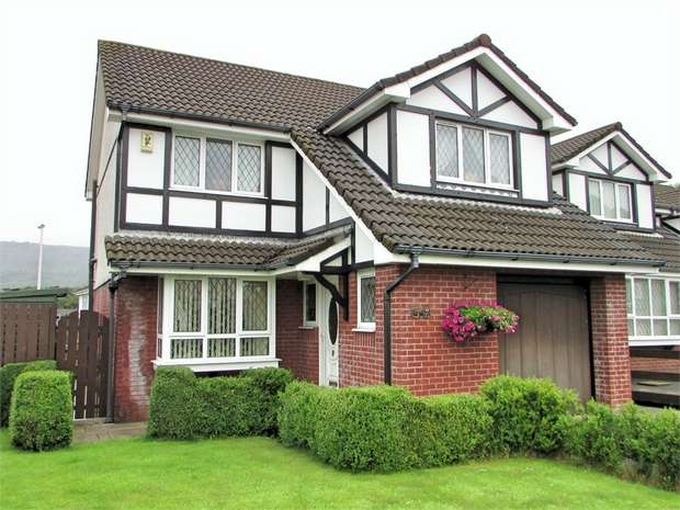 3 Bedrooms Detached House for sale in Tudor Gardens, Waunceirch, Neath, West Glamorgan