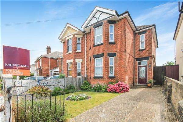 3 Bedrooms Semi Detached House for sale in Layton Road, Parkstone, Poole