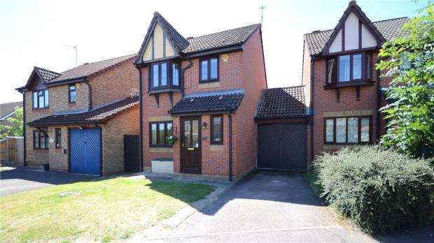 3 Bedrooms Link Detached House for sale in Regent Close, Lower Earley, Reading