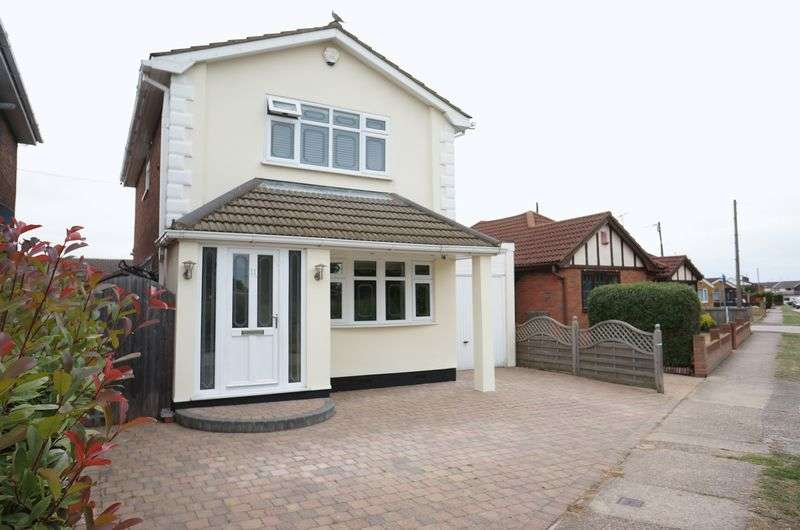 3 Bedrooms Detached House for sale in Nordland Road, Canvey Island