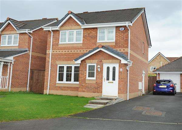 3 Bedrooms Detached House for sale in 9 Howleys Close, Irlam M44 6RY