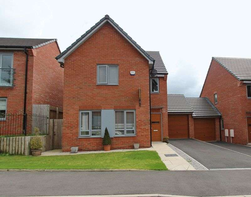 4 Bedrooms Detached House for sale in Greene Way, Salford, Manchester