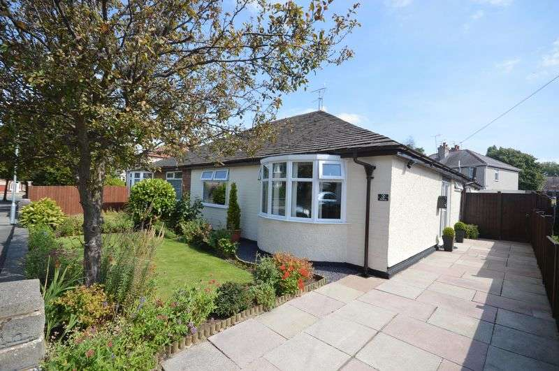 2 Bedrooms Semi Detached Bungalow for sale in Westway, Greasby