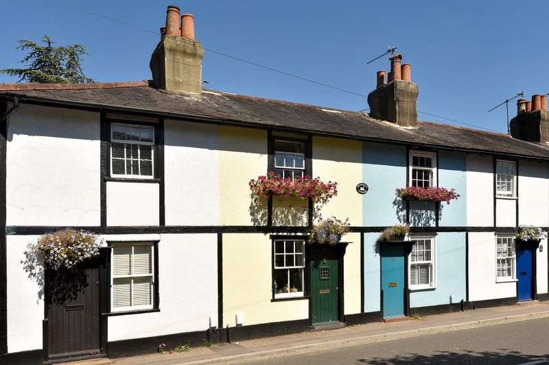 1 Bedroom Terraced House for sale in Woodfield Lane, Ashtead