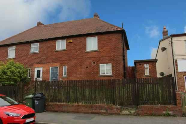 3 Bedrooms Semi Detached House for sale in Fourth Avenue, Liversedge, West Yorkshire, WF15 8LA