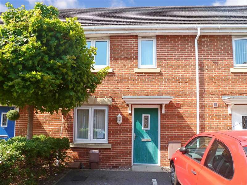 3 Bedrooms Terraced House for sale in Little Hackets, Havant, Hampshire