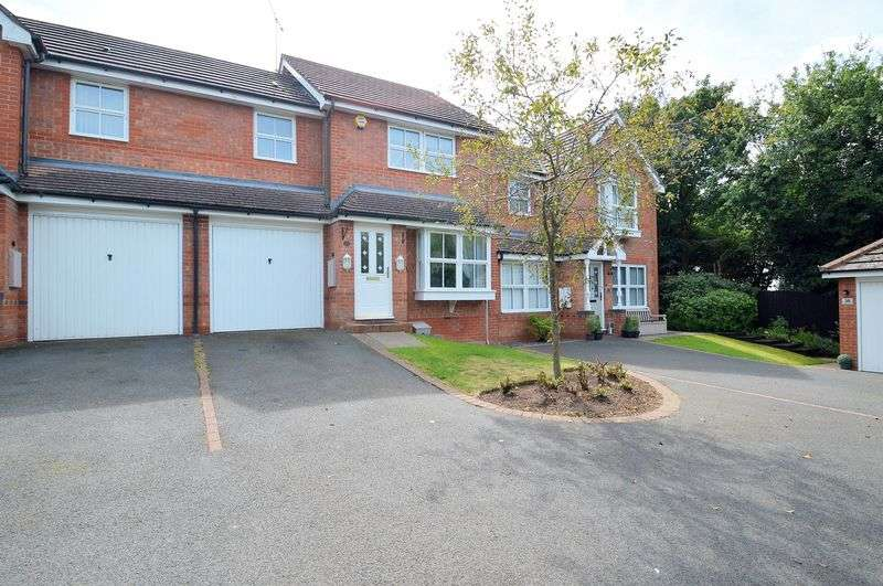 3 Bedrooms Terraced House for sale in Defford Close, Webheath