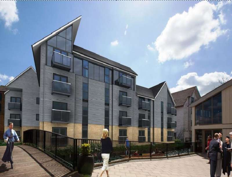 2 Bedrooms Flat for sale in Stour Street, Canterbury, CT1