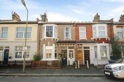 2 Bedrooms Flat for sale in Grange Avenue, Finchley