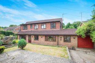 5 Bedrooms Detached House for sale in The Grove, Biggin Hill, Kent