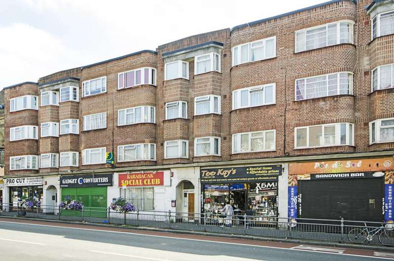 2 Bedrooms Flat for sale in Lea Bridge Road, Leyton, E10