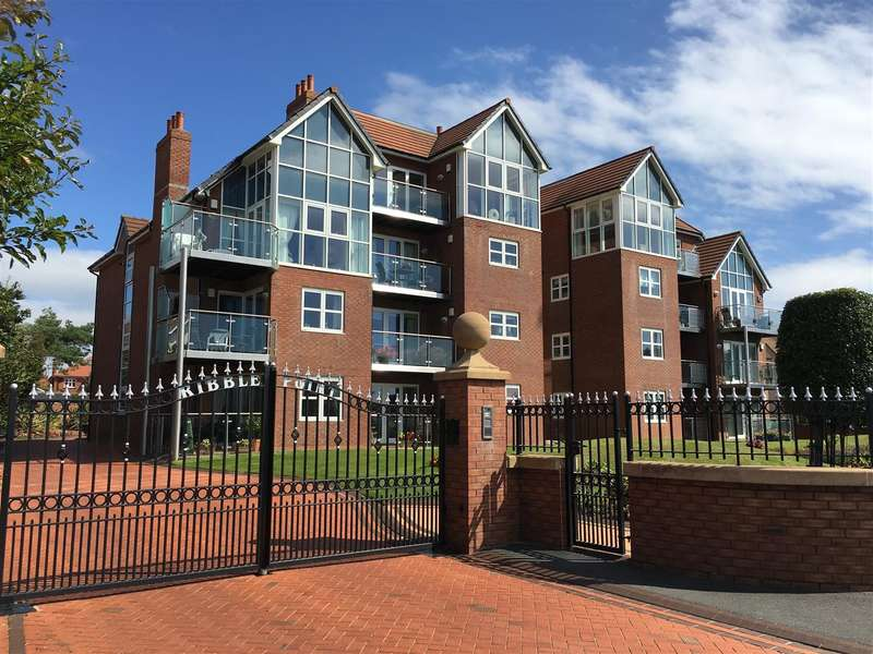 2 Bedrooms Flat for sale in 6 Ribble Point, Inner Promenade, Fairhaven, Lytham