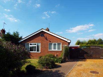 2 Bedrooms Bungalow for sale in Clenchwarton, King's Lynn, Norfolk