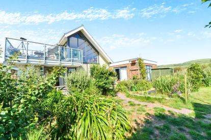 4 Bedrooms Detached House for sale in Chale, Ventnor, Isle Of Wight