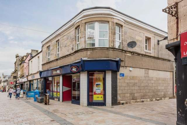 2 Bedrooms Flat for sale in Main Street, Kilwinning, KA13 6AQ