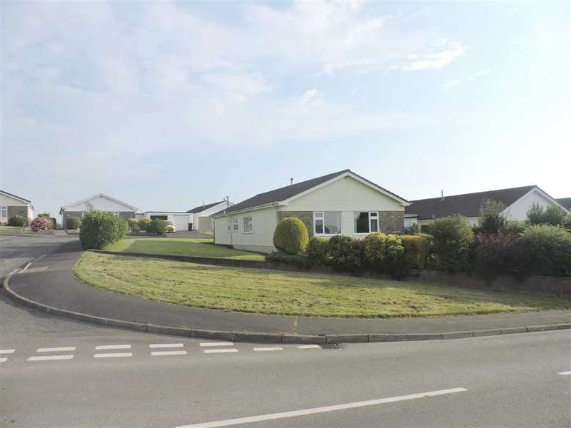 3 Bedrooms Property for sale in Highfield Park, Coxhill, NARBERTH