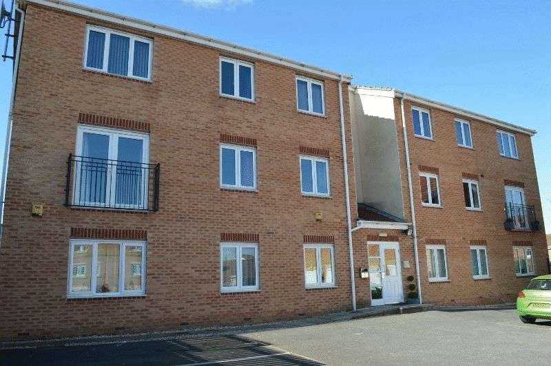 2 Bedrooms Flat for sale in Millers Croft, Castleford