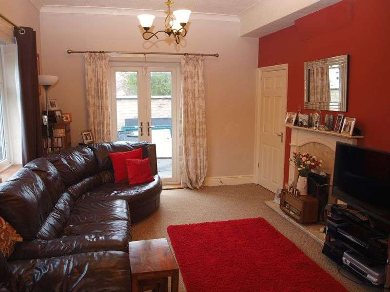 3 Bedrooms House for sale in Manchester Road, Northwich, CW9 7NE