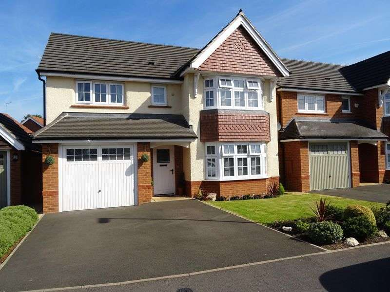 4 Bedrooms Detached House for sale in Valerian Drive, Stafford