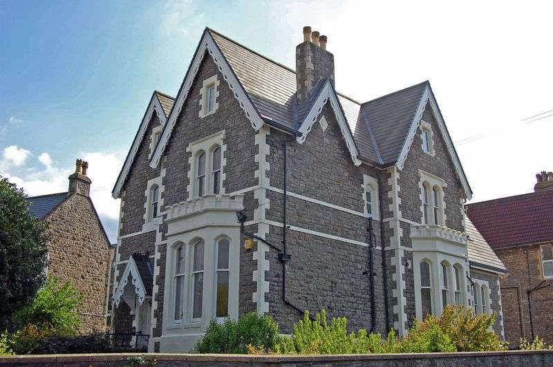 2 Bedrooms Flat for sale in St. Johns Road, Clevedon