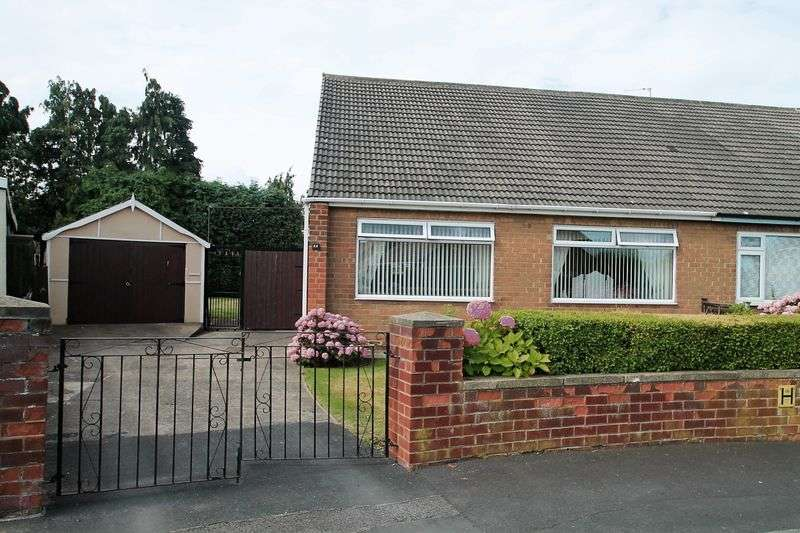 2 Bedrooms Semi Detached Bungalow for sale in Norfolk Crescent, Ormesby, Middlesbrough