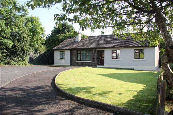 4 Bedrooms Bungalow for sale in 23 Silverstream Court