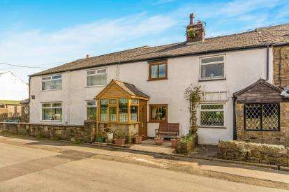 2 Bedrooms Terraced House for sale in Watling Street, Affetside, Bury, Greater Manchester, BL8