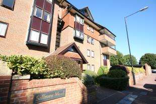 2 Bedrooms Flat for sale in Saffrons Mead, 2 Grassington Road, Eastbourne, East Sussex