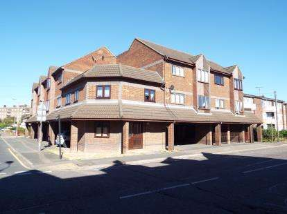 1 Bedroom Flat for sale in Dock Road, Tilbury, Essex